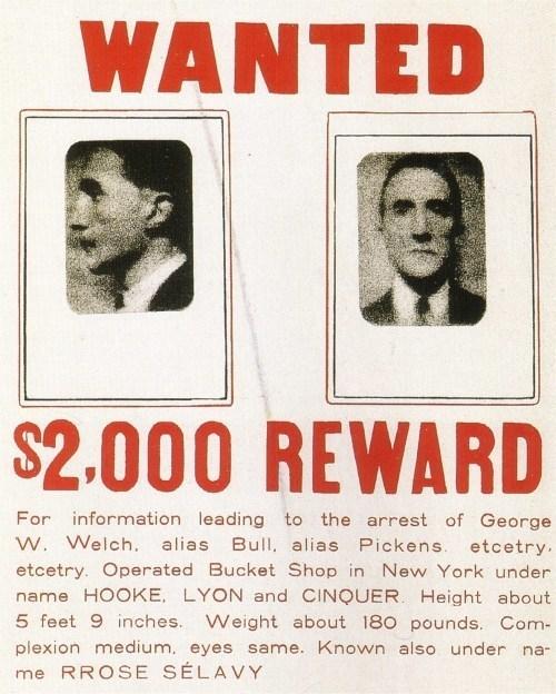 Разыскивается / вознаграждение $2000, 1923. Исправленный реди-мейд: две фотографии, приклеенные на объявление о рзыске, 4