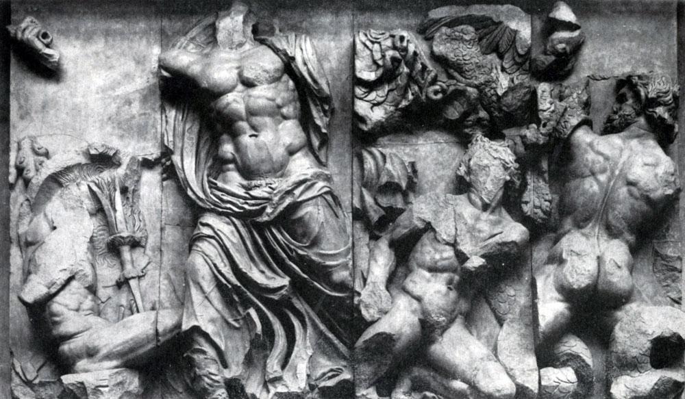 Борьба Зевса с гигантами. Фрагмент фриза Пергамского алтаря. Мрамор. Около 180 г. до н. э