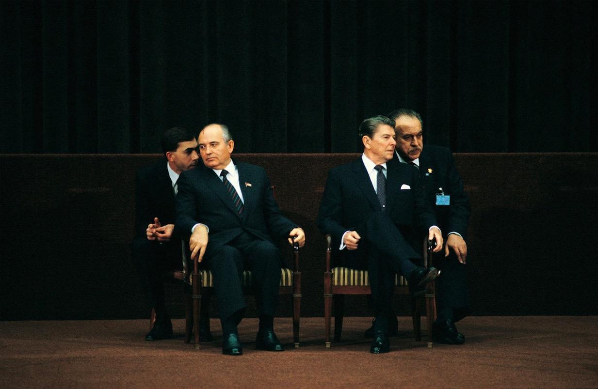 Михаил Горбачёв и Рональд Рейган в Женеве, 19 ноября 1985 год.