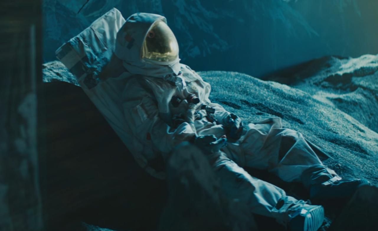 Кадр из клипа на песню Дэвида Боуи«Blackstar» (DavidBowieVevo, YouTube.com)